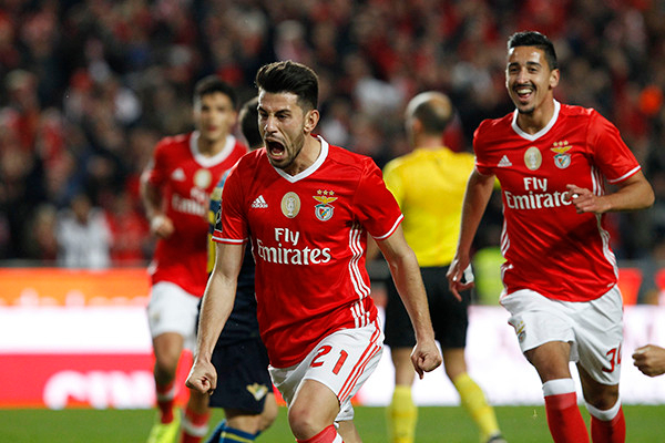 ฟุตบอล 12 ม.ค 64ฟุตบอลโปรตุเกส คัพ 2020/2021 เวลา 04:15 คาอมาโดร่า พบ เบนฟิก้า